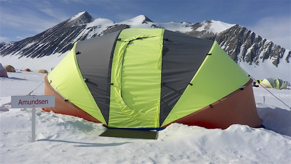 Icetrek Union Glacier Guest Clam