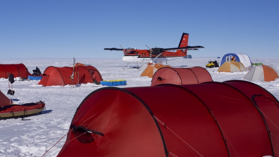 Icetrek South Pole Camp And Plane