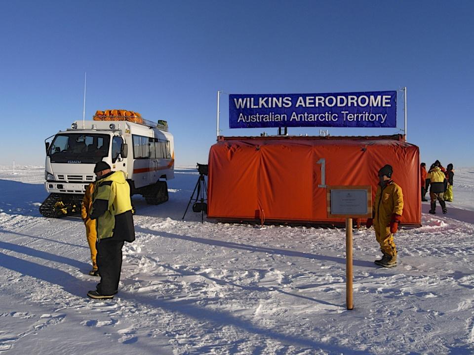 Icetrek Wilkins Airbase Antarctica